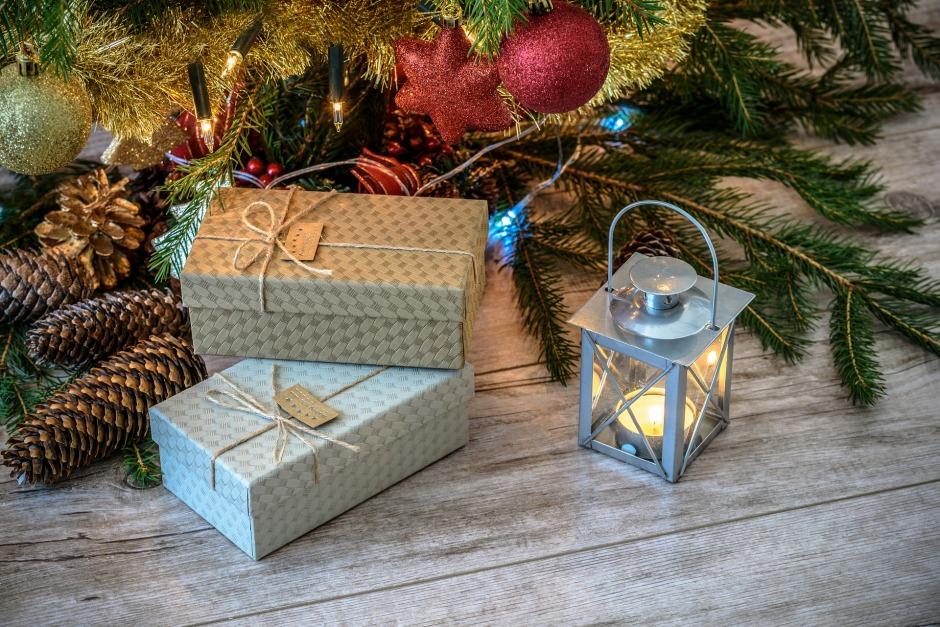 retro-gifts-1847088_1920